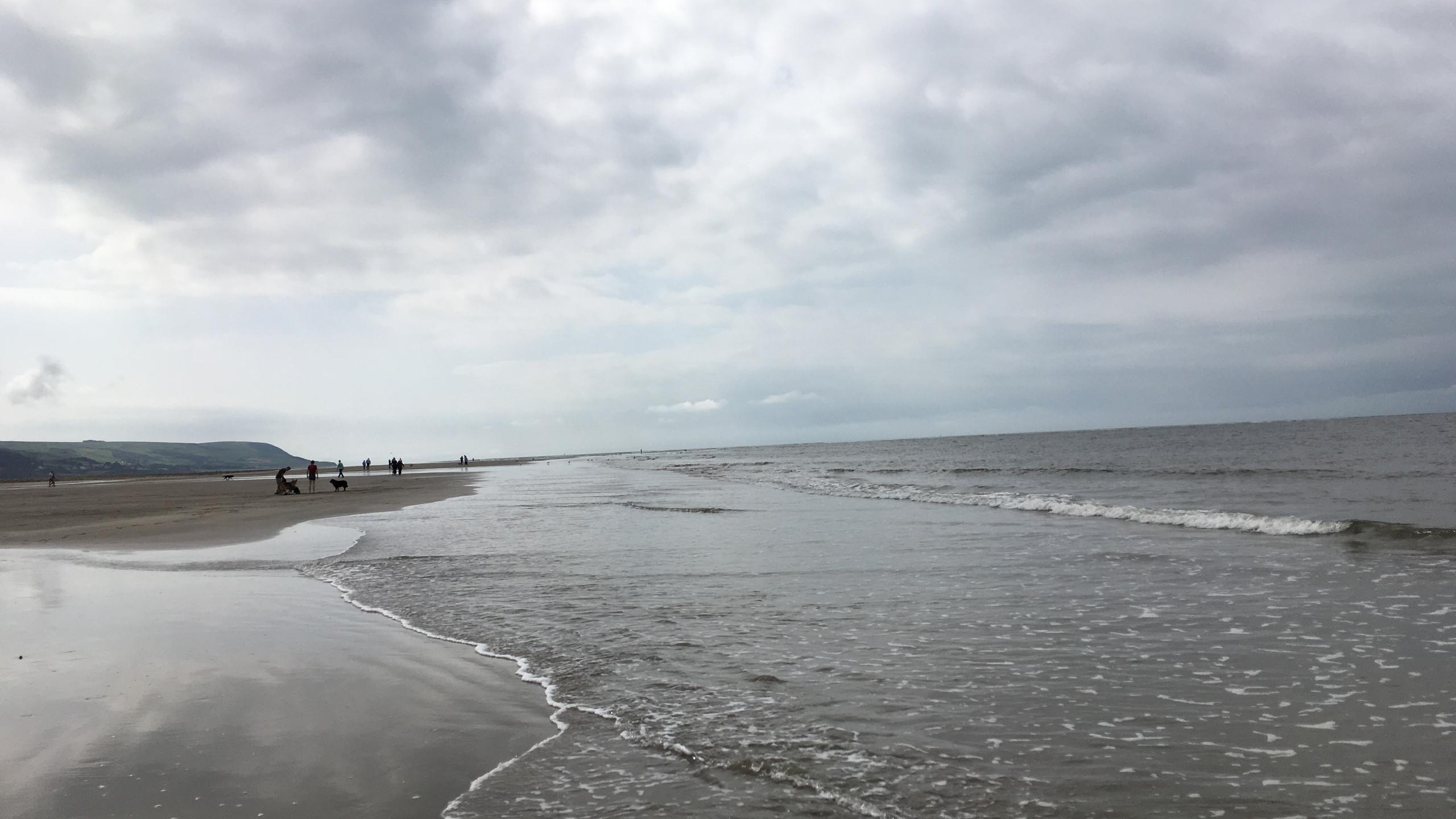 The tide sets ins