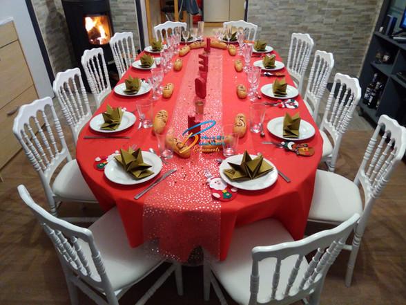 Location chaise Napoléon blanche mariage, Fougères, St Malo,Vitré, Rennes, Ille et vilaine 35, Bretagne, Normandie, Mayenne, Pays de la Loire.