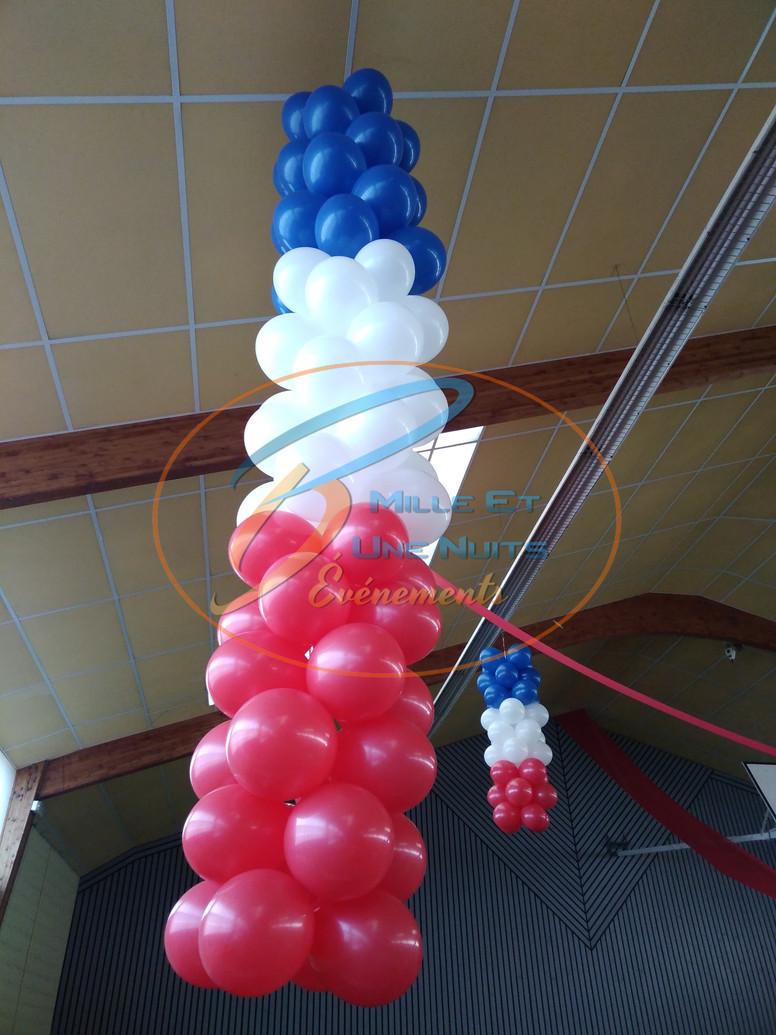 Colonne de ballon plafond comité de jumelage