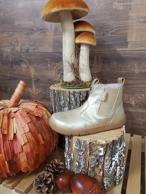 Chaussure dorée pointure 26 ( 4800 N39 )