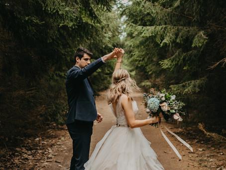 Micheal + Victoria  //  Southern Ontario Wedding