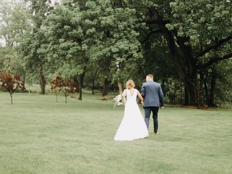 Robbie + Kaylan  //  Rainy Pennsylvania Wedding