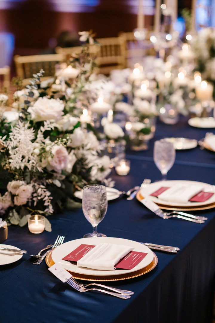 White floral Kings table
