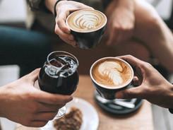 bei uns : richtig guten Kaffee geniessen