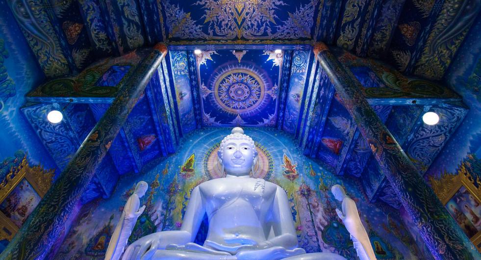 Wat Rong Suea Ten, The Blue Temple. Chiang Rai, Thailand.