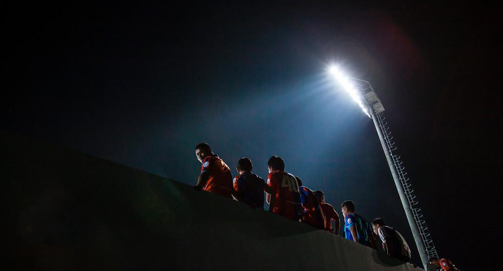 Thai Port FC fans watch their team play against Chonburi FC. Chonburi, Thailand.