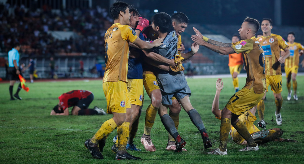 Thai Port FC players celebrate winning a penalty shootout 5-4 (0-0 after extra time) over Bangkok United in the 2019 Thai FA Cup semifinal at the Royal Thai Army Stadium. Bangkok, Thailand.