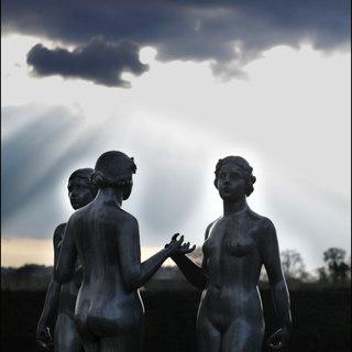 statues trois graces.jpg