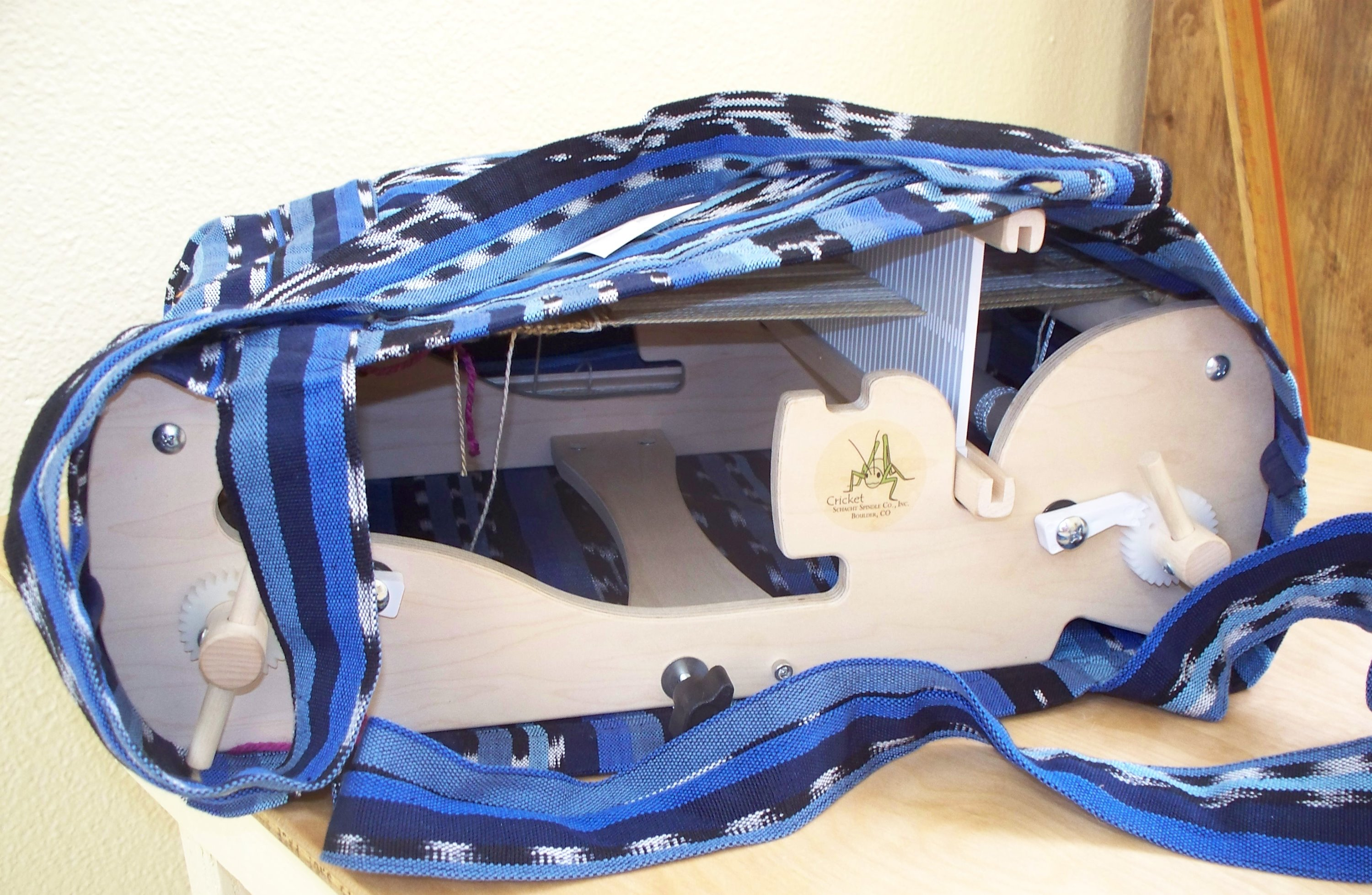 Cricket Loom and Cricket Bag