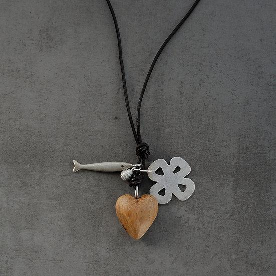 Colar coração madeira mini e flor