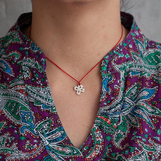 colar mini pingente flor