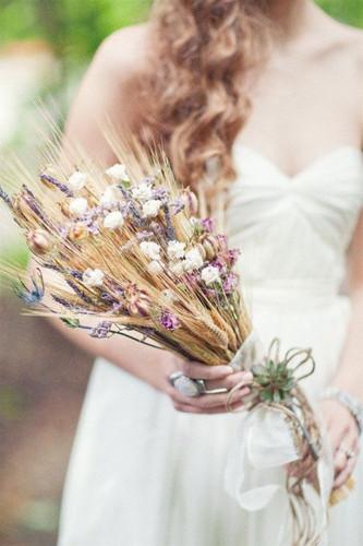 Пшеничные колоски в букете невесты