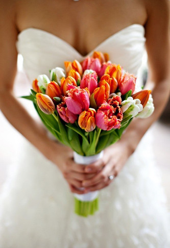 Идеи свадебного букета невесты из тюльпанов