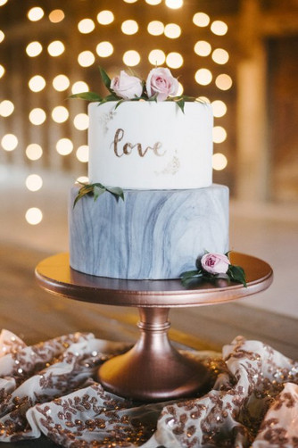 Каллиграфия в дизайне свадебного торта