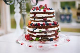 Идеи свадебного торта с ягодами