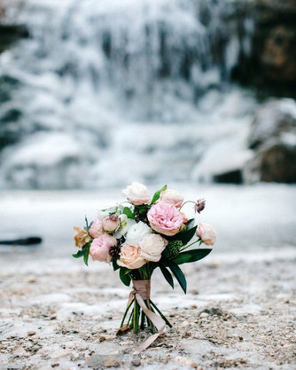 Выбираем зимний букет невесты