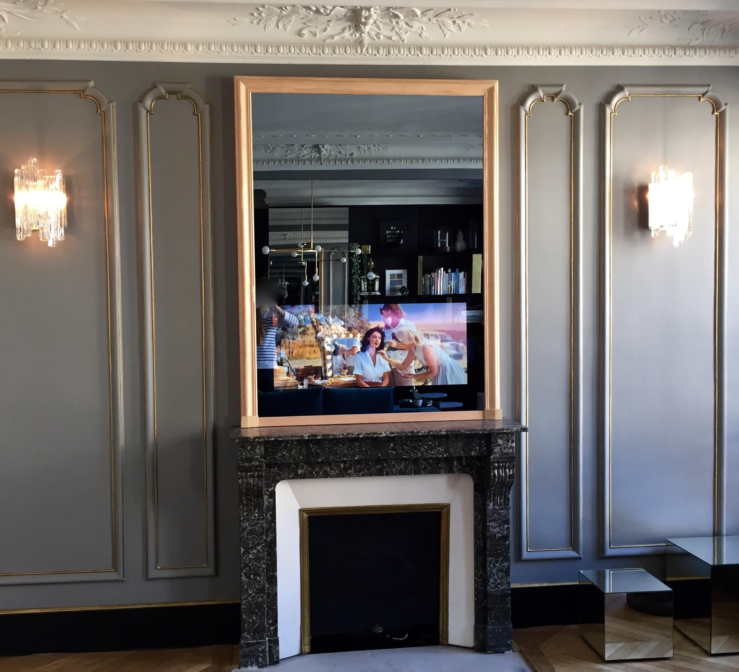 Trumeau / Miroir TV cachée