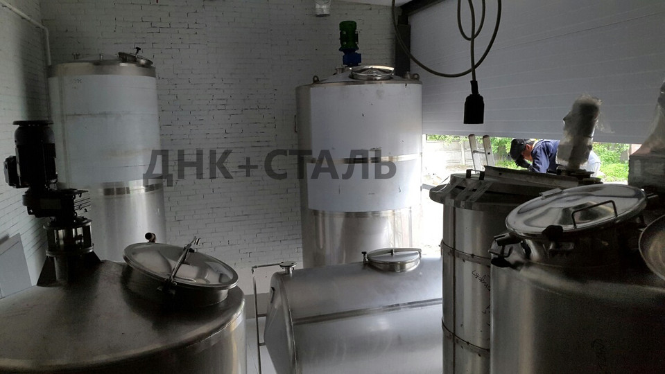 Баки для воды на производстве