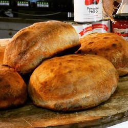 E come ogni giorno anche questa mattina è stato sfornato il nostro pane..