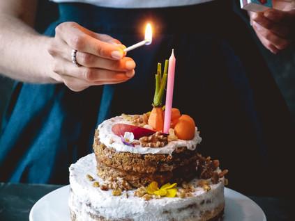 Geburtstagstore zum Frühstück