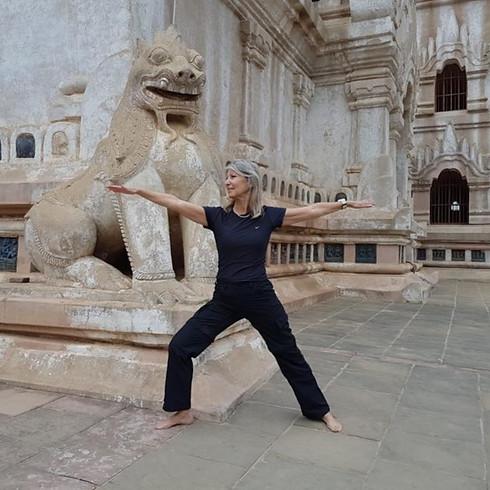 יוגה דאנס פריסטייל Yoga Dance Free Style