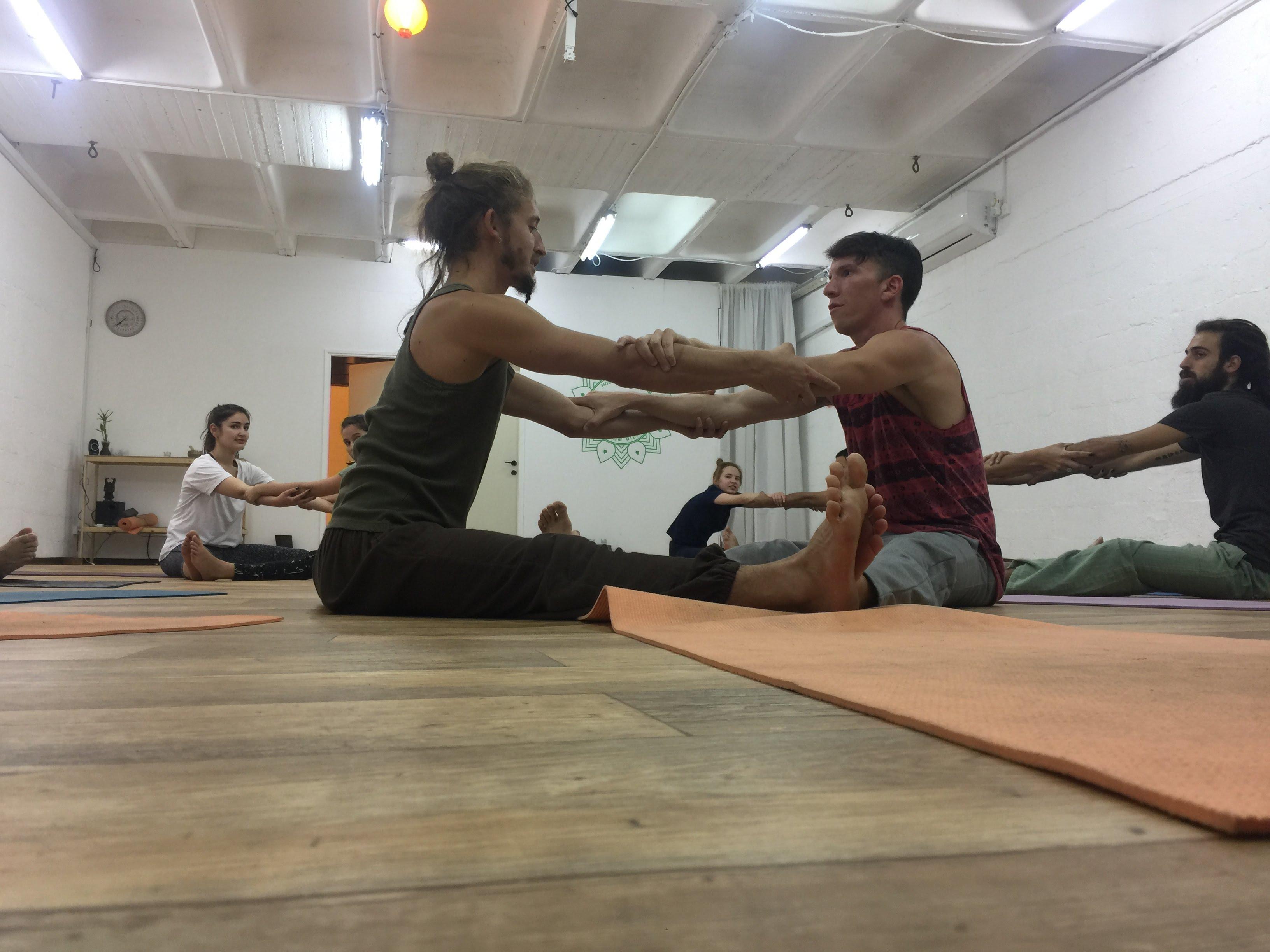 בית היוגה | ראשון לציון | סדנאות | י