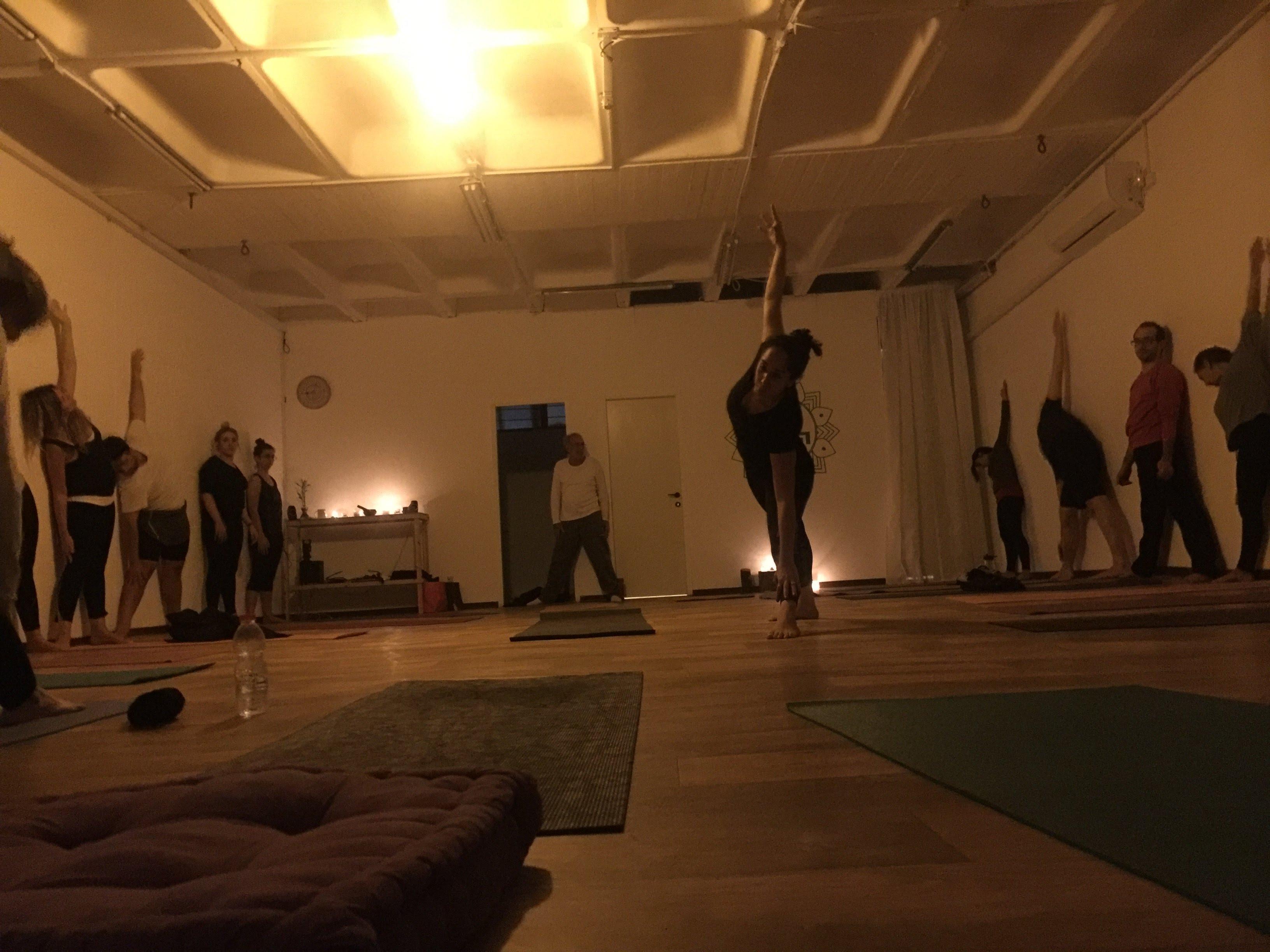 בית היוגה | ראשון לציון | מורן גנון