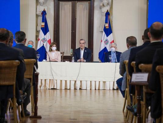 Abinader presenta Estrategia Nacional de Competitividad