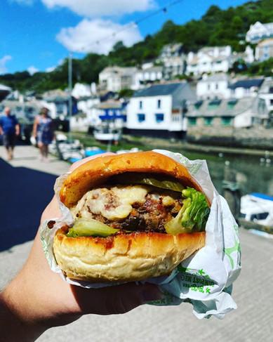 Cornish burger to eat in a Cornish villa