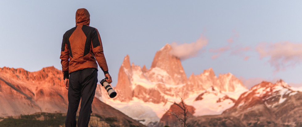 Photographer in front of Fitz Roy