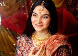 Girl in Sari Smiling 2015-11-8-21:15:54
