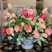 Spring blooms #ranunculus  #tulips #lila
