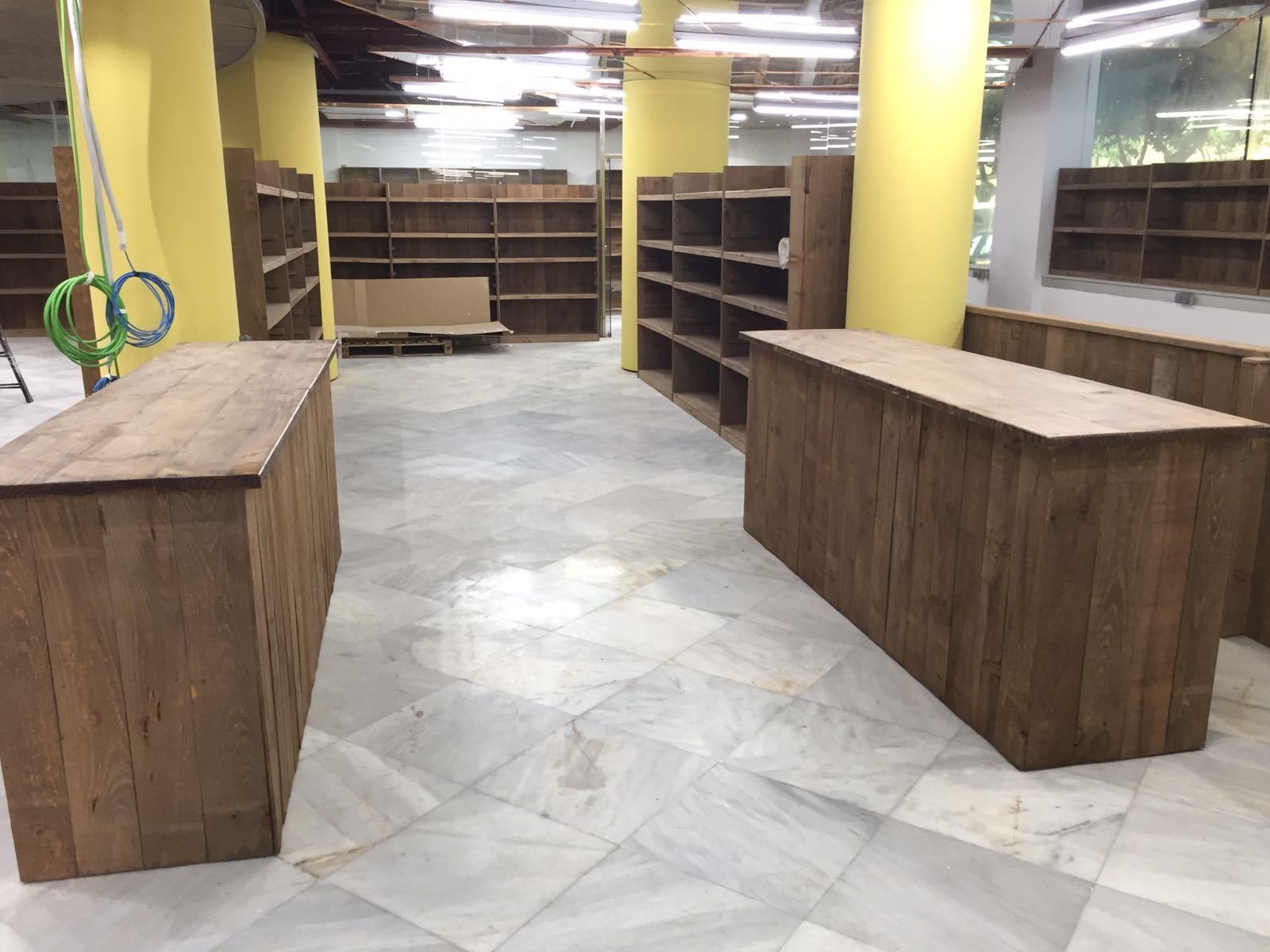 Conjunto dos mostradores madera