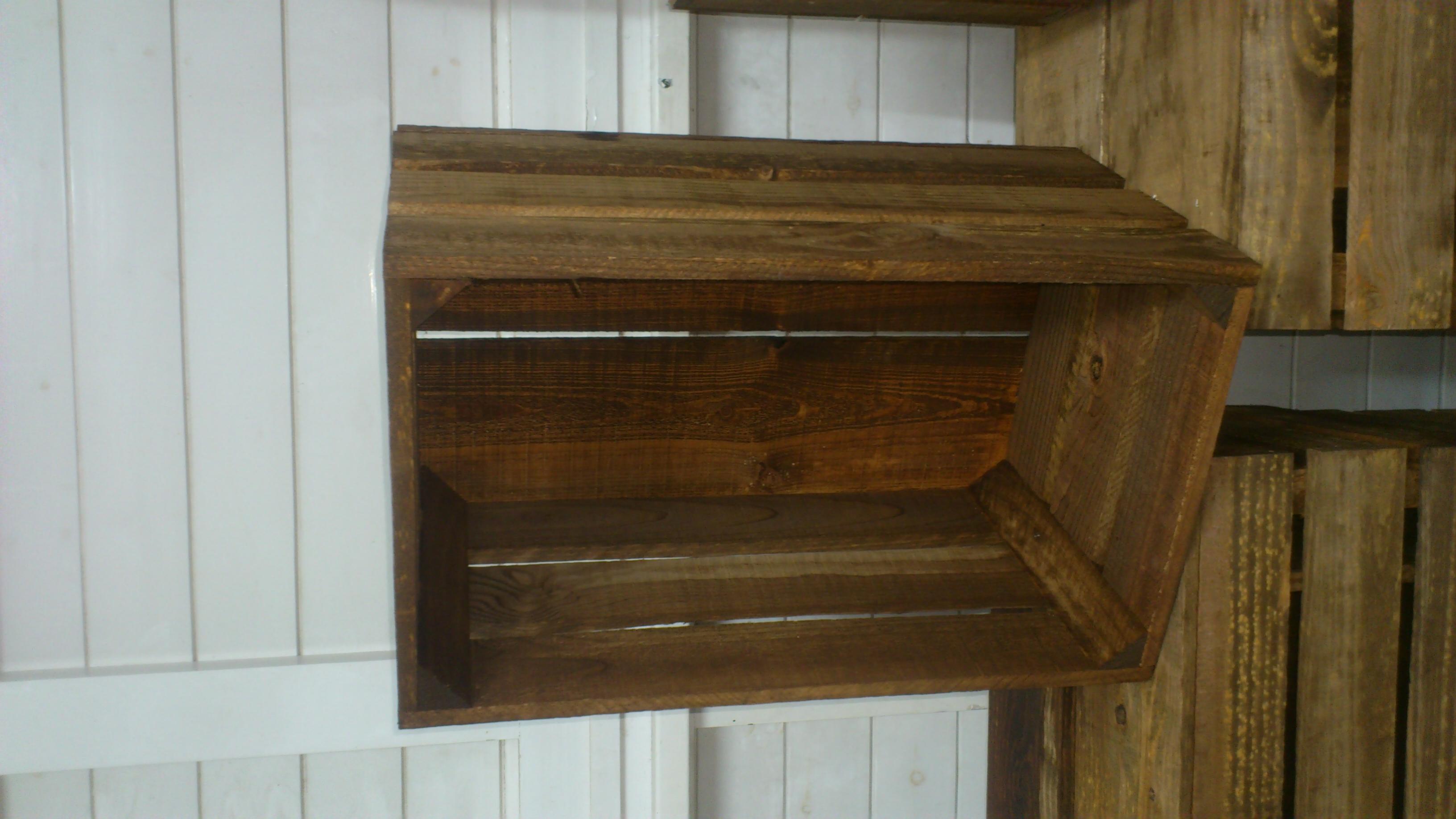 Caja de madera reforzada