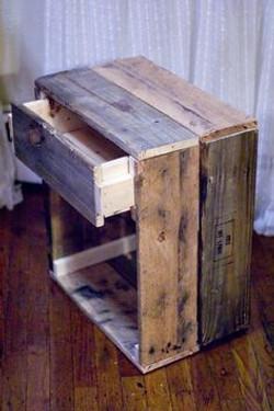 Caja vertical con cajón