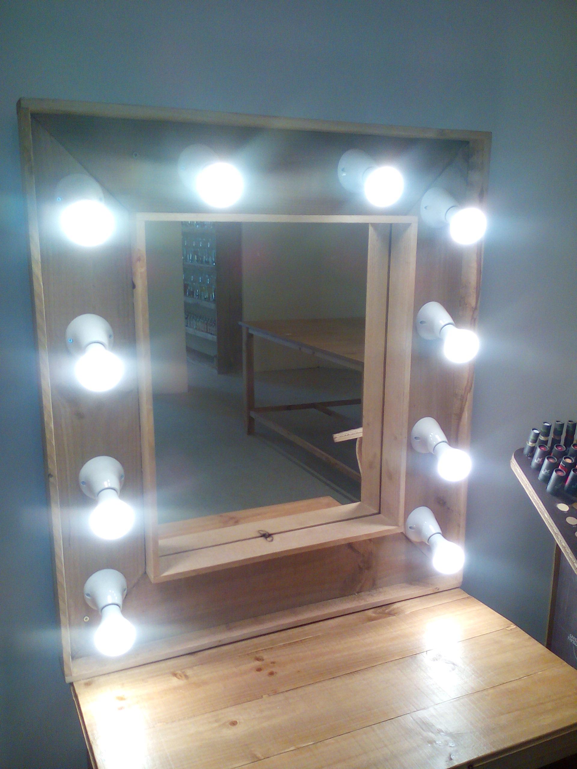 Espejo rústico con luces
