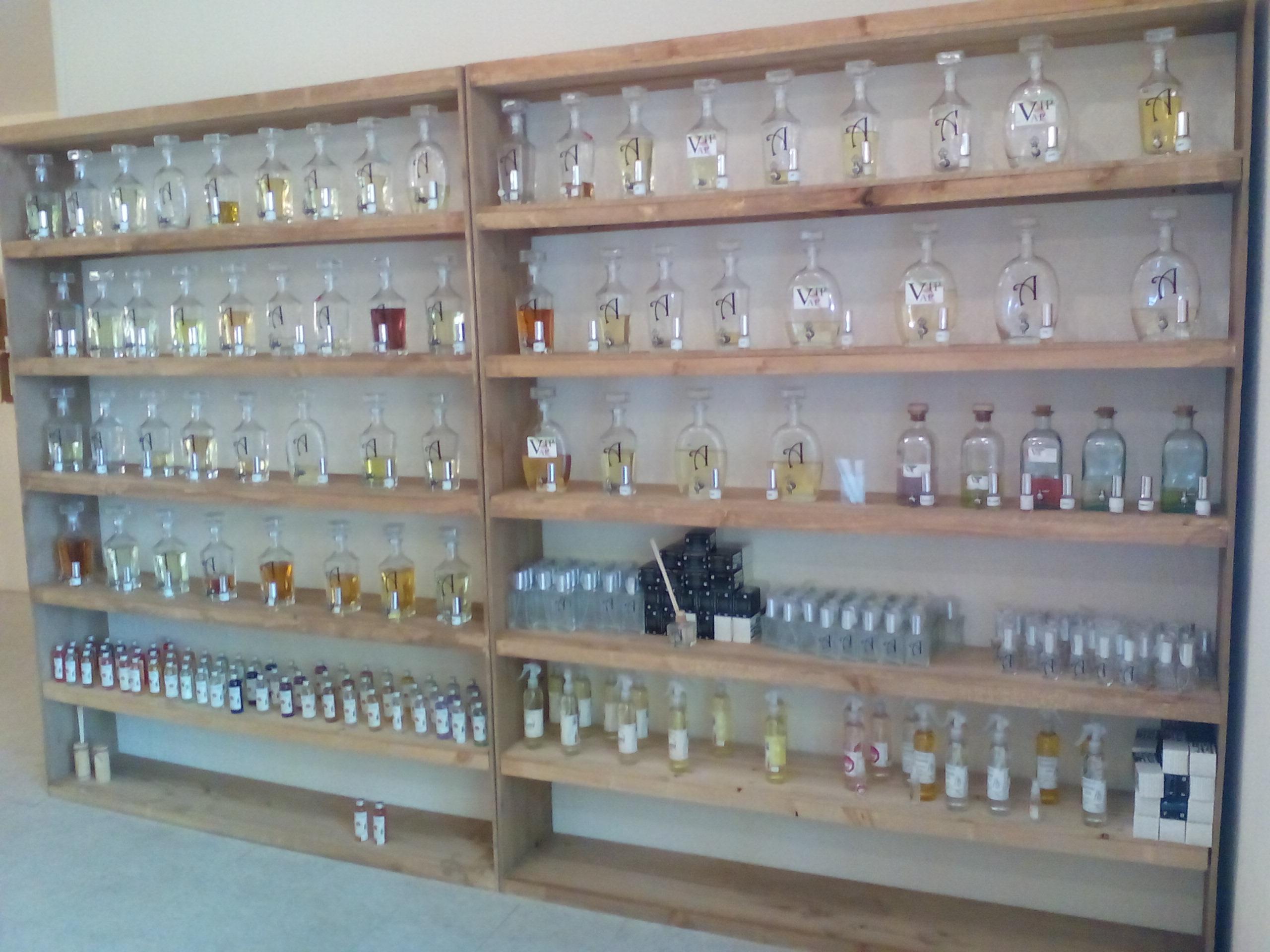 Estantes perfumería 5 metros