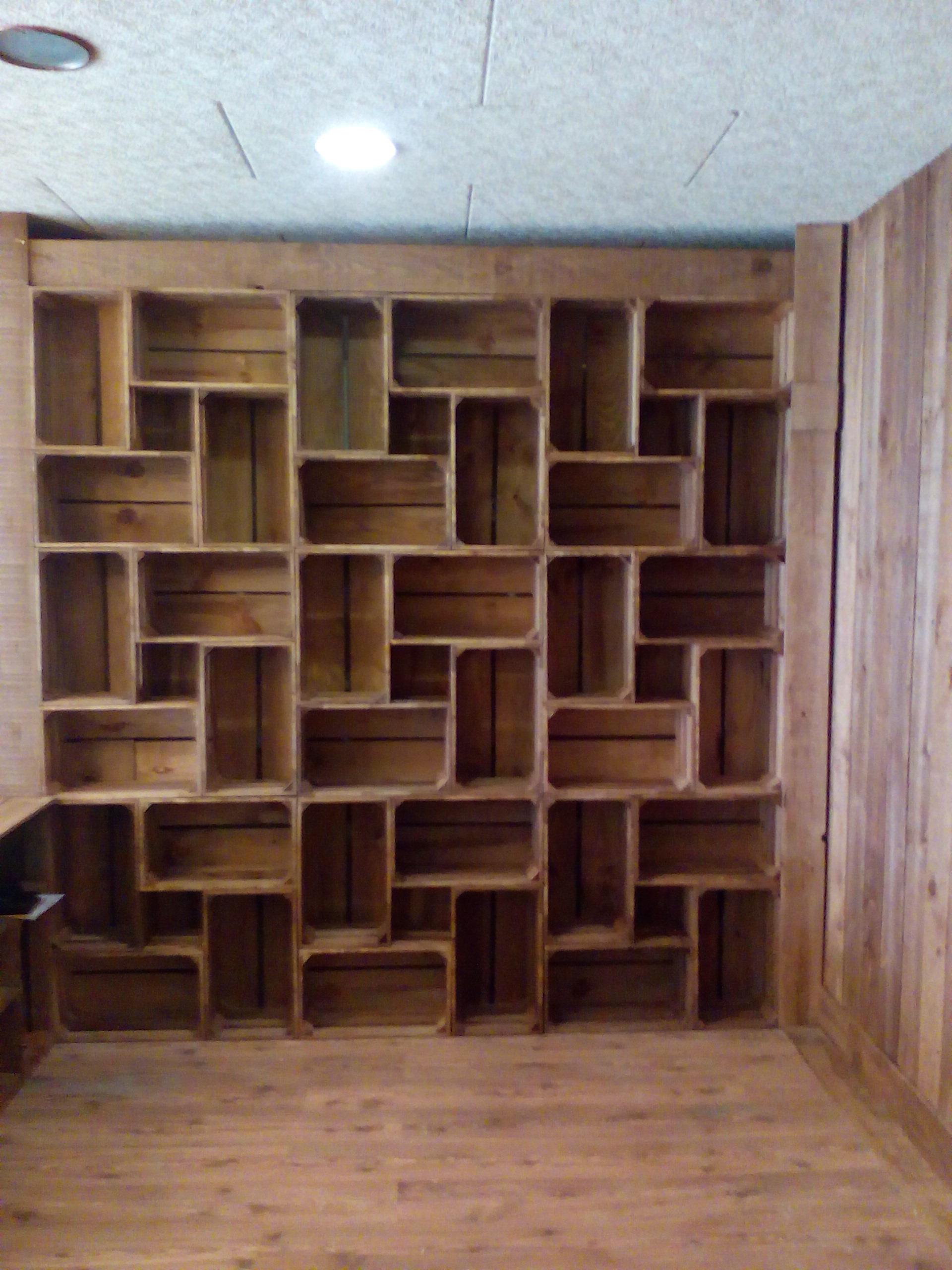 Mural de cajas tipo estanteria