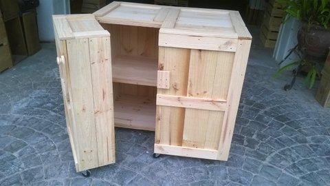 Cajón con estantes