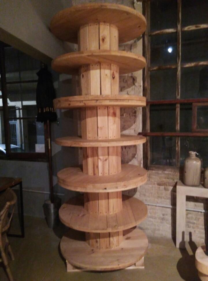 Torre de bobinas decoración