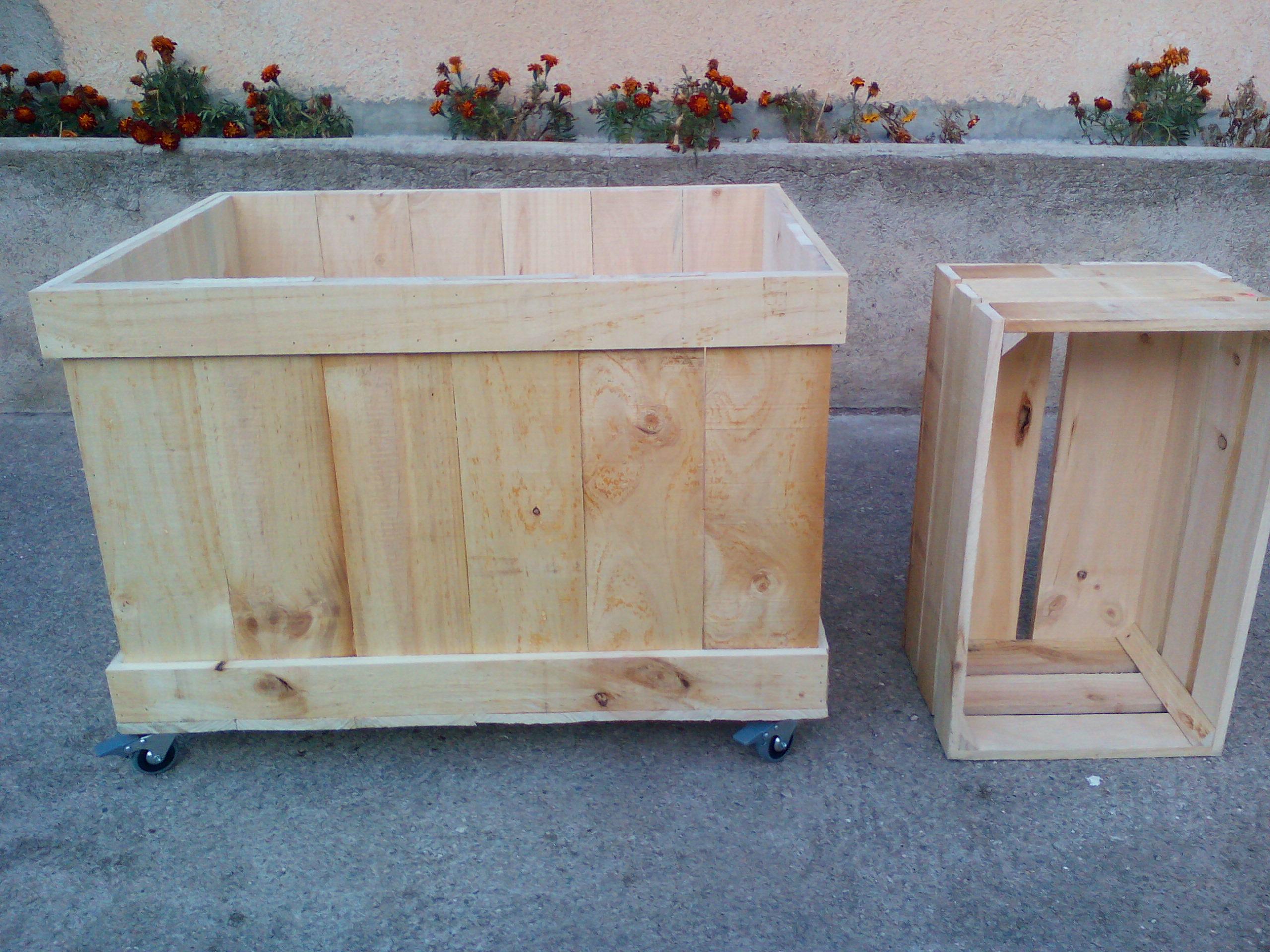 Cajones de madera ruedas