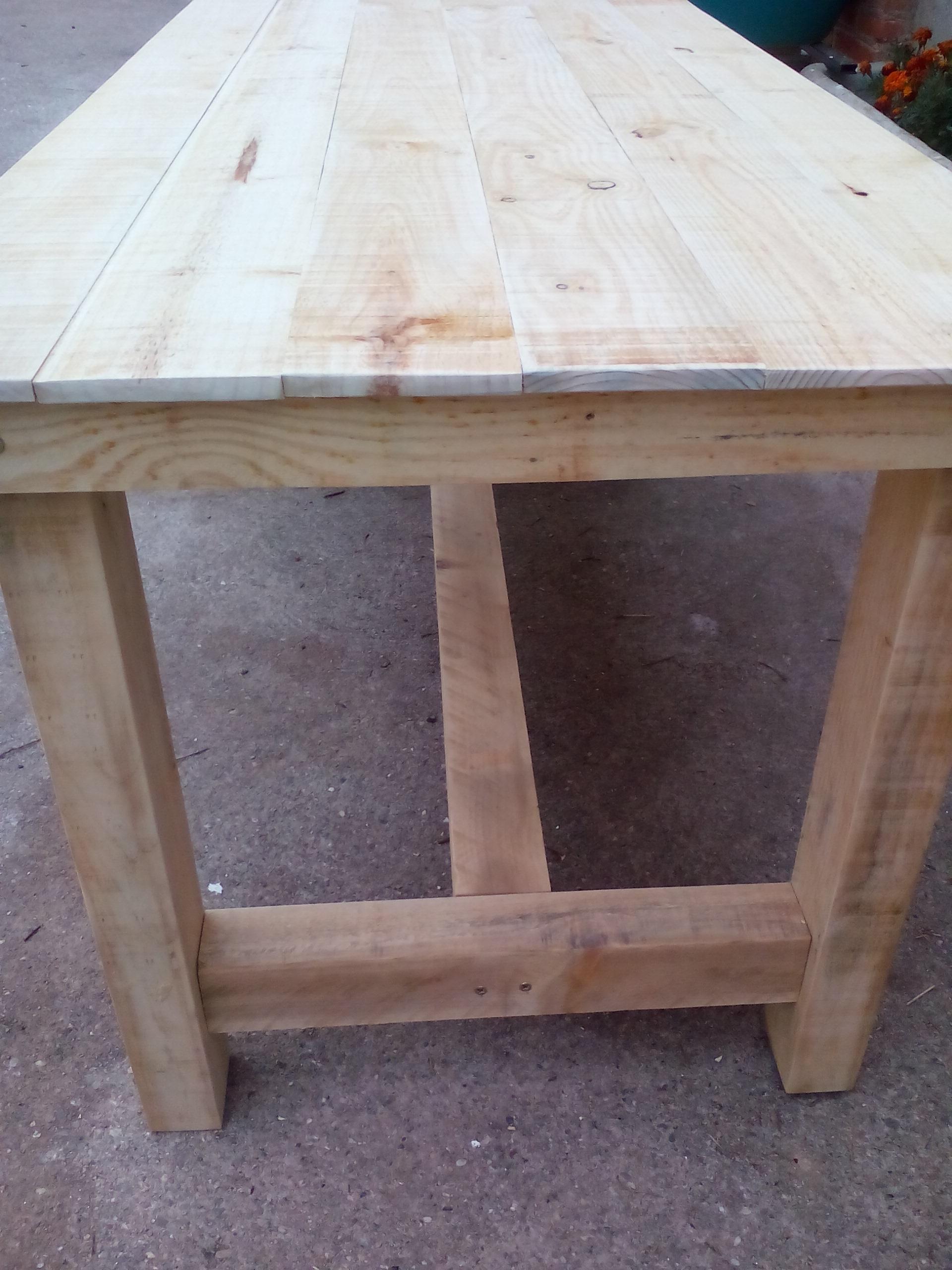 Mesa rústica madera lateral