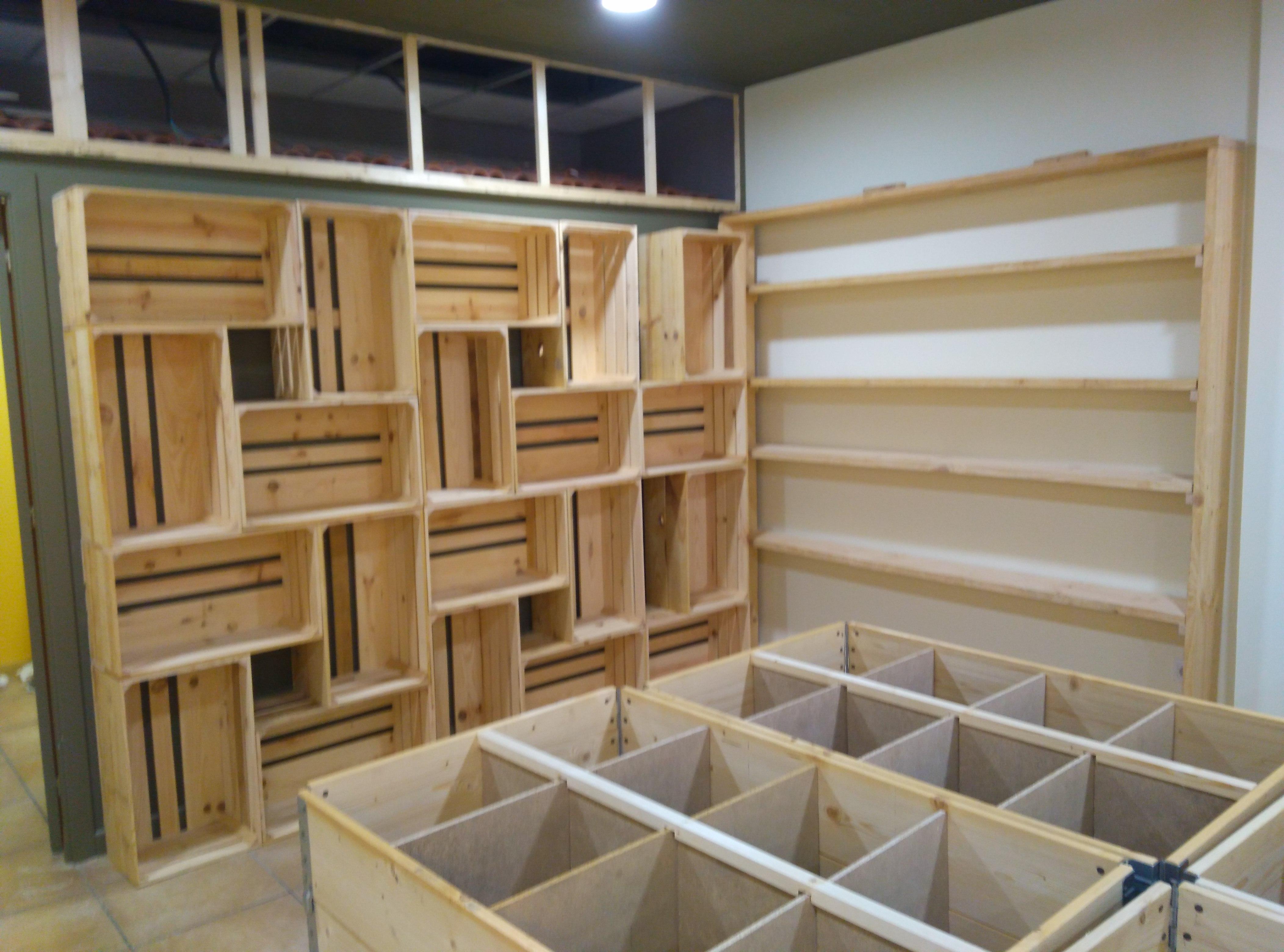 Estantería cajas de madera