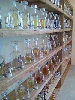 Estantes perfumeria