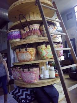 Torre bobinas tienda moda