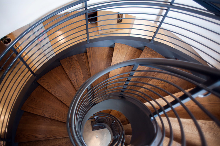 Aluminum Spiral Staircase Structure and Railings