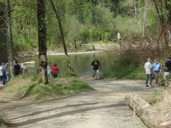 Traveling the path to the Molalla River for another outdoor baptism