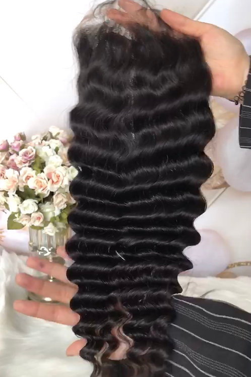 Loose Curl Closure