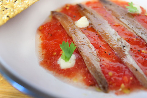 Anchoas con Tomate