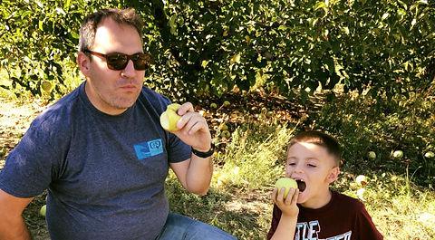 apple picking Alax.jpg